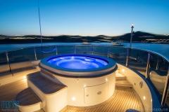 luxury_yacht_jacuzzi_ mykonos_nikolopoulos_316_0120