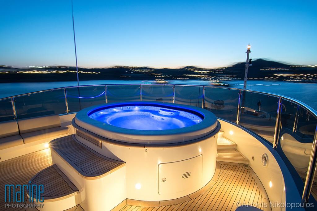yacht_jacuzzi_night_mykonos_nikolopoulos_316_0120-1024x683.jpg