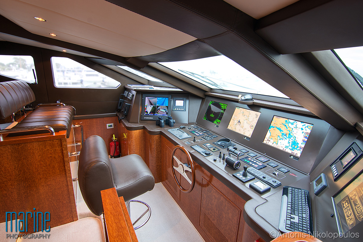 luxury_yacht_bridge_nikolopoulos_217_7088