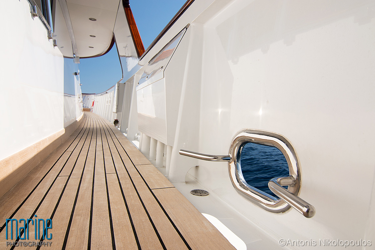 luxury_yacht_deck_217_8369