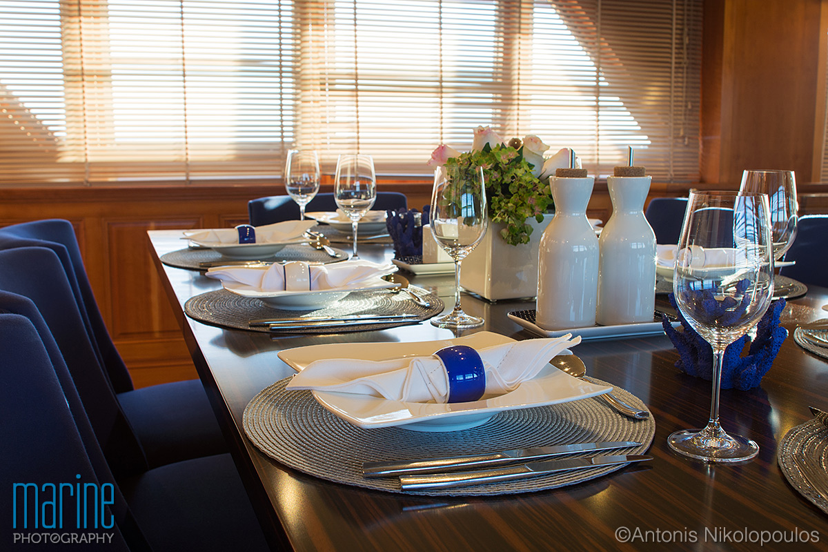 luxury_yacht_dining_217_8475