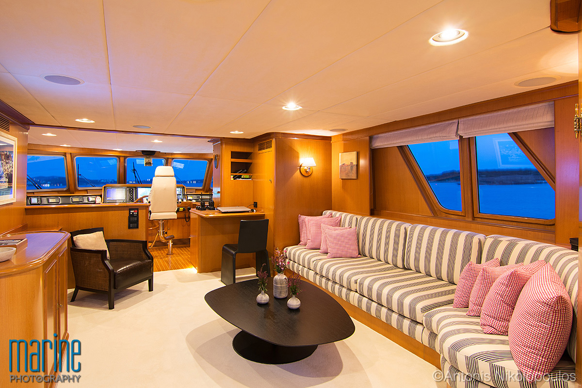 luxury_yacht_interior_night_nikolopoulos_217_8009