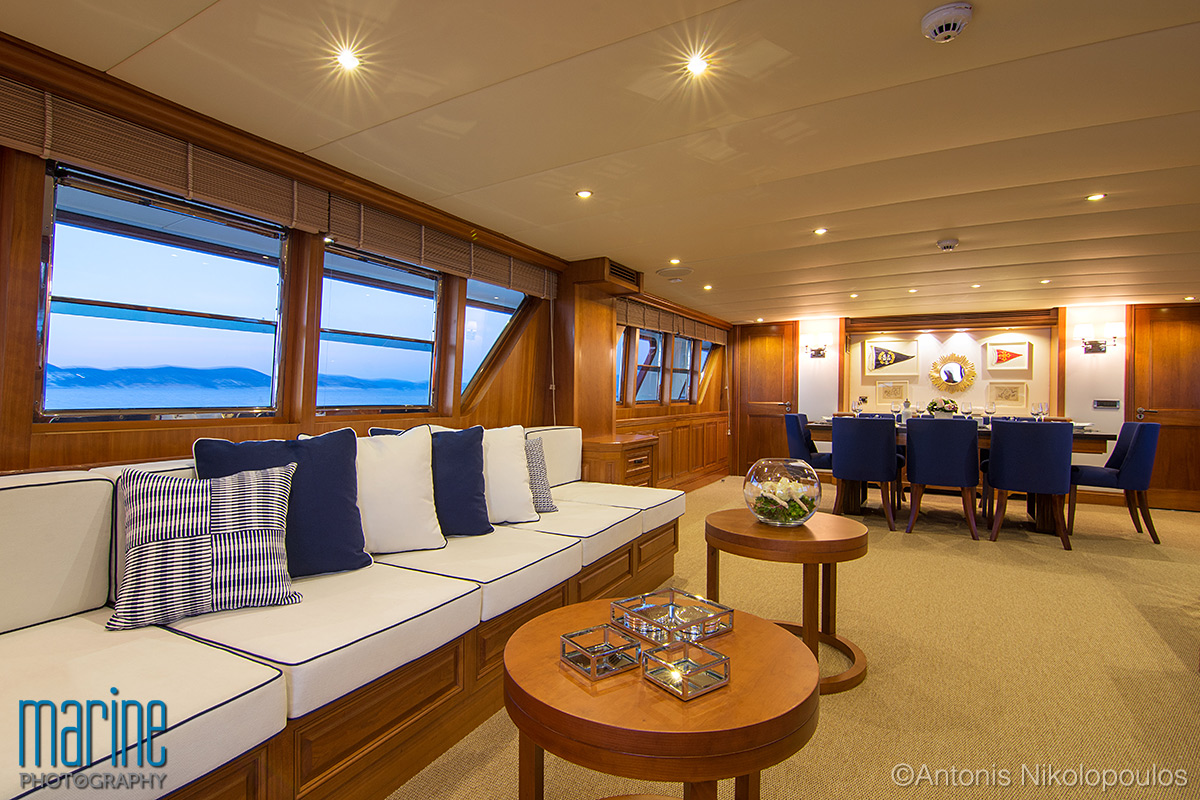 luxury_yacht_lounge_217_8532