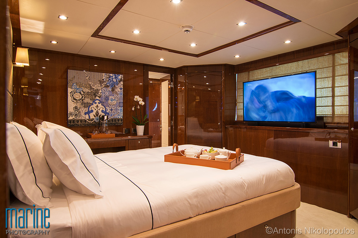 luxury_yacht_cabin_317_1090