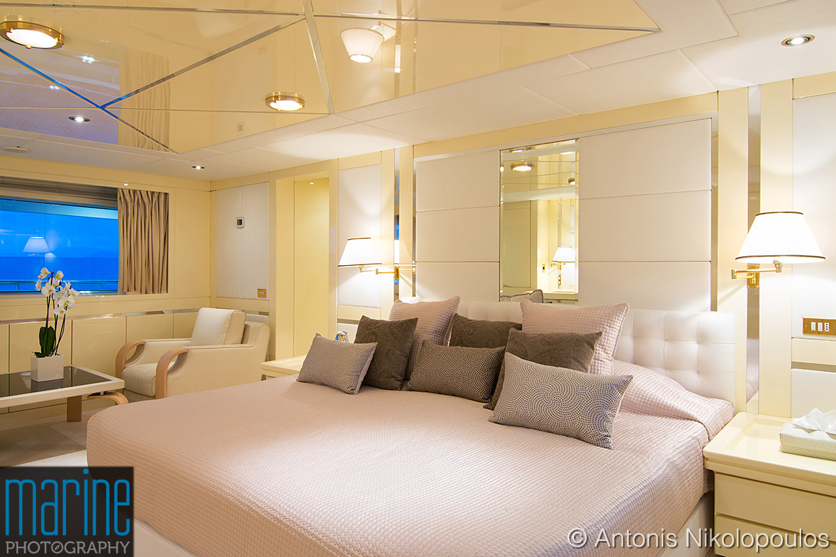 luxury_yacht_VIP_cabin_317_1555