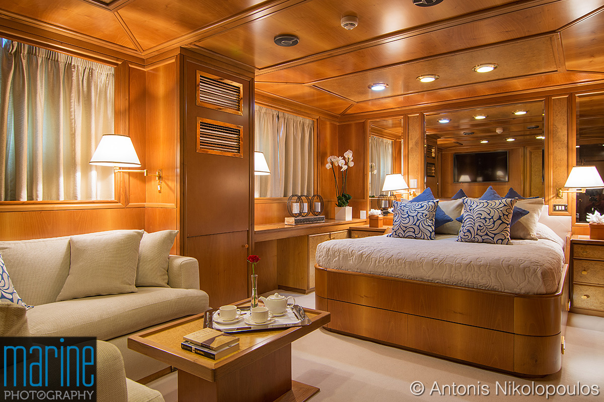 luxury_yacht_VIP_cabin_317_1778