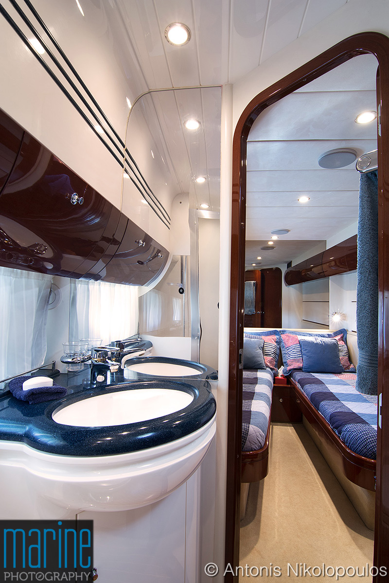 luxury_yacht_cabin_417_2304