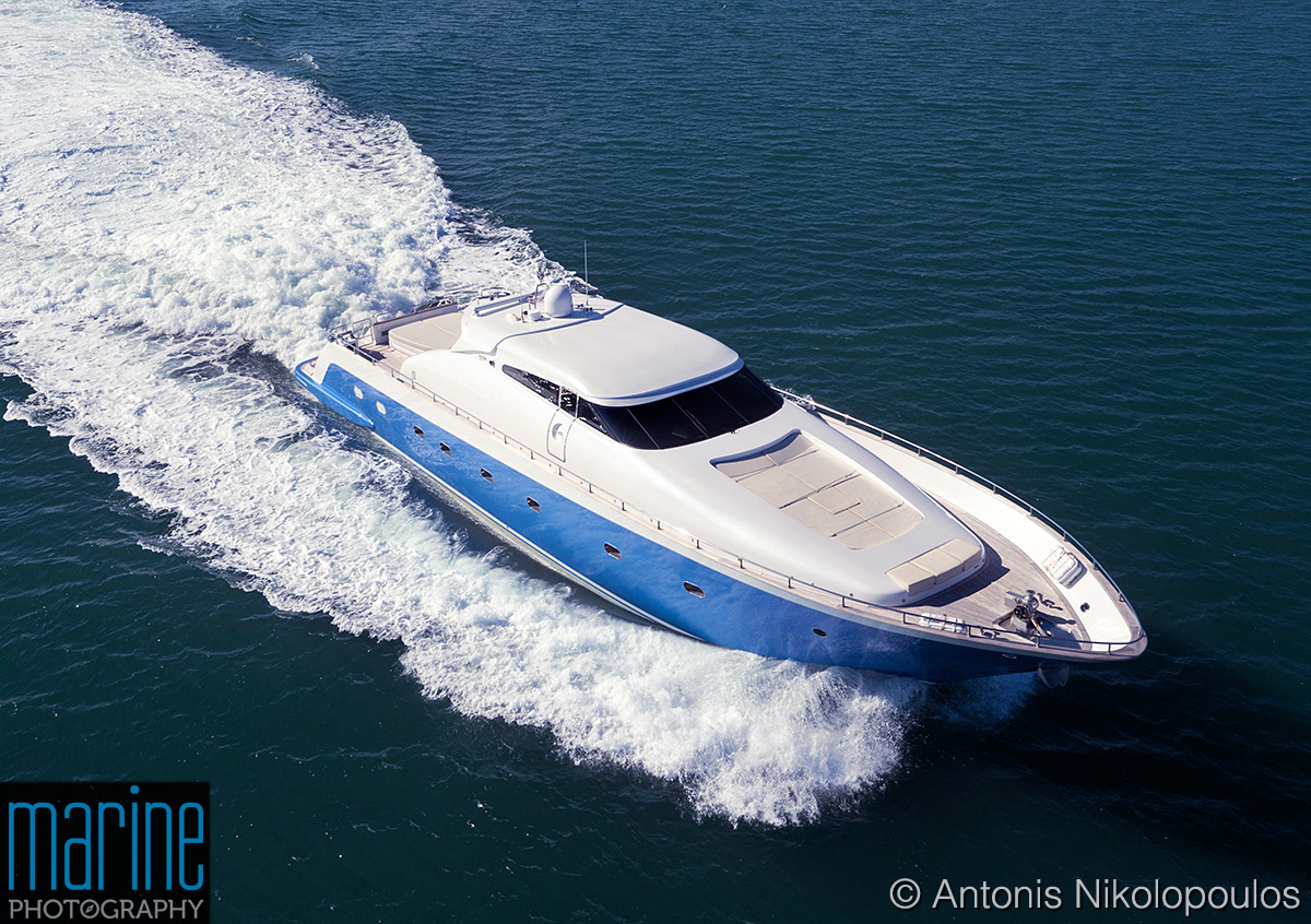 luxury_motor_yacht_aerial_0013