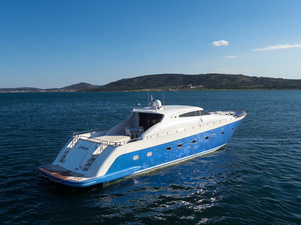 luxury_motor_yacht_aerial_0078-1024x768.jpg