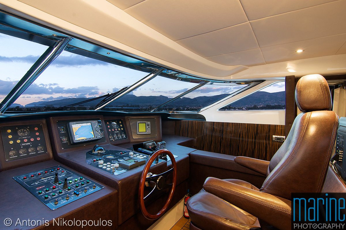 luxury_motor_yacht_interior__bridge_118_5974