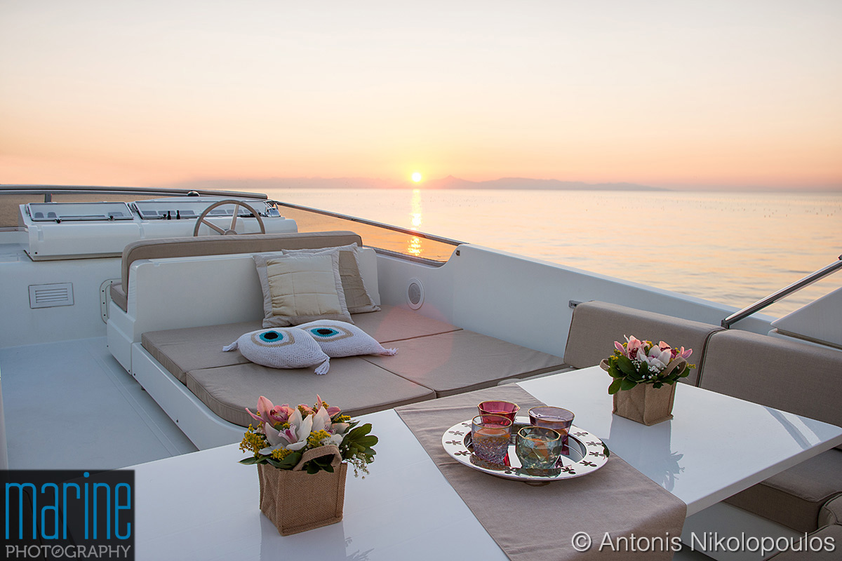 luxury_motor_yacht_sundeck_sunset_118_5638