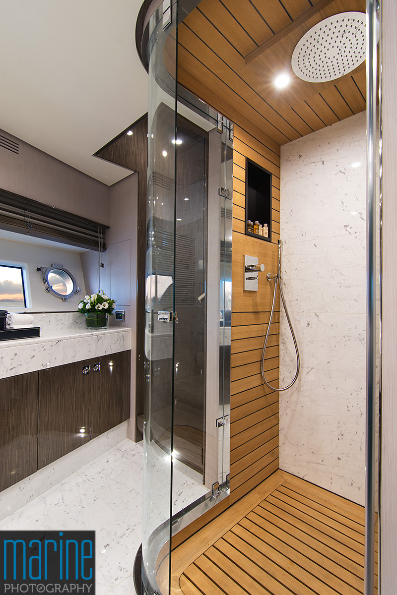 Azimut 30 metri luxury yacht, master cabin